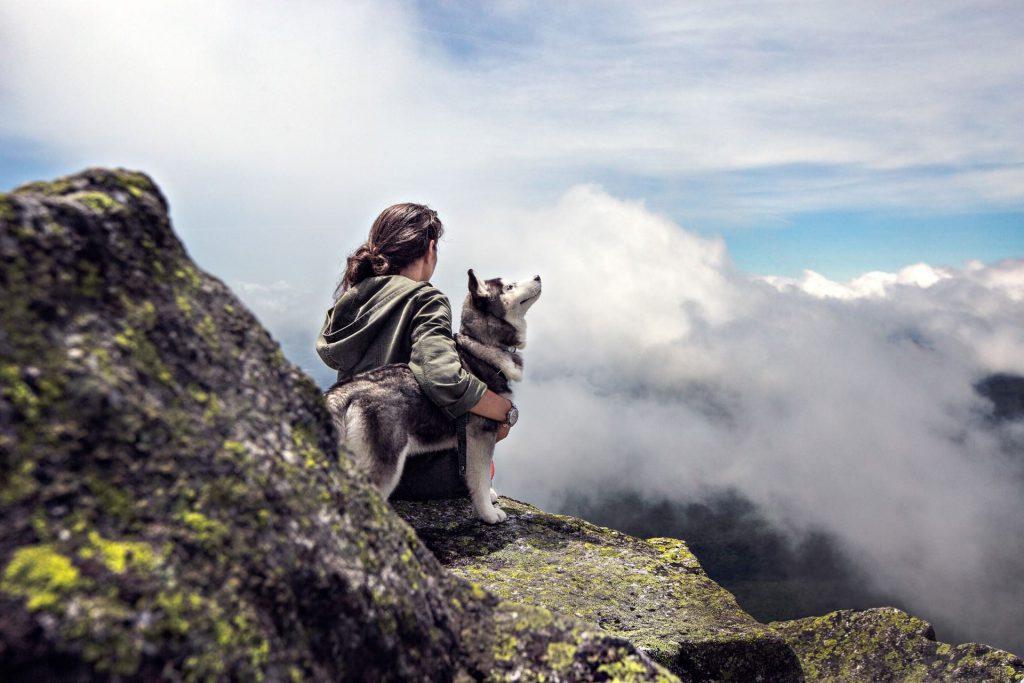 dierencommunicatie-vrouw-husky